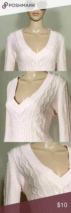 New York & Company Pink V-neck Long Sleeve Sweater Size S SMALL - 100% Acrylic In Very good condition!! Very adorable!! Fast shipping!! New York & Company Sweaters V-Necks