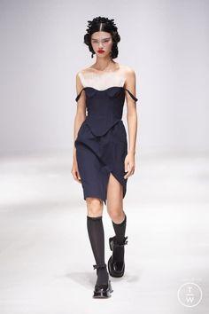Korean Fashion Styles, Korean Street Fashion, Live Fashion, Fashion Show, Ladies Fashion, Pretty Outfits, Stylish Outfits, Fashion Clothes, Fashion Outfits