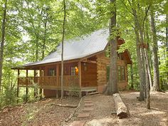 Merveilleux Flying Squirrel   Gatlinburg Cabins   Gatlinburg Cabin Rentals   Pigeon  Forge Cabin This Is Closer To Our Cabin.in The Woods And On A Small,  Private Lake.