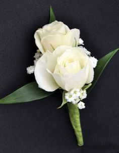 Wedding Roses Sweetheart Spray White Roses - Sweetheart Spray White Roses Boutonniere w/ Baby's Breath and Greenery. Prom Corsage And Boutonniere, White Boutonniere, Corsage Wedding, Wedding Bouquets, Boutonnieres, Wedding Centerpieces, Wedding Decorations, Tall Centerpiece, Wedding Crafts