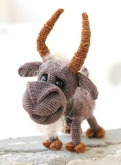 I'm pleased to welcome you, my dear crochet fans!