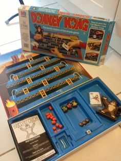 Vintage 1981 Nintendo / MB Games - DONKEY KONG Family Boardgame - Boxed