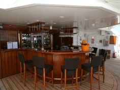 Located at the very top of the ship on Deck 8 is the outdoor Star Bar.