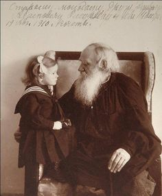 Leon Tolstoy with his granddaughter Tatiana, 1910 - Vladimir Grigorievich Chertkov Book Writer, Book Authors, Story Writer, Russian Literature, Writers And Poets, Russian Art, Film Director, Portraits, Famous People