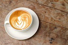 Foto: Bonjour meus amigos. Nessa chuva oque o corpo pede é um xícara com café quente. Aceitam☕? Hoje nosso café é mais do que especial pois teremos muitas surpresas aqui na coleção. Uma delas será até inesperada para um certo amigo. Então meus queridos,desejo à todos um dia maravilhoso de coisas boas. Um Xêro. Ah,antes que me esqueça quero dizer que ADORO VOCÊS.