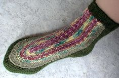 MPs Strick -Trixx: U-Socken-LEHRGANG in 12 Teilen - TIPPs und INFOs Knitted Slippers, Mitten Gloves, Knitting Socks, Crafts, Craft Ideas, Hot, Fashion, Knitting And Crocheting, Tricot