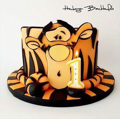 Fondant Cake Designs, Fondant Cakes, Cupcake Cakes, Birthday Cake Decorating, Cool Birthday Cakes, Big Cakes, Cute Cakes, Cake Decorating Techniques, Cake Decorating Tips
