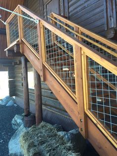 Well Designed Deck Railing Ideas for your Beautiful Porch and Patio! Deck Stair Railing, Deck Railing Design, Deck Design, Railing Ideas, Porch Railings, Pipe Railing, Patio Stairs, Decking Ideas, Balcony Railing
