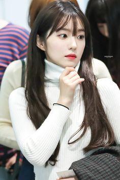 Photo album containing 6 pictures of Irene Red Velvet アイリーン, Irene Red Velvet, Seulgi, Asian Music Awards, Red Velet, Korean Beauty, K Pop, Korean Girl Groups, Kpop Girls