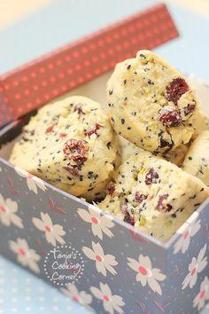 Black Sesame Cranberry Pistachio Cookies. http://tanjascookingcorner.blogspot.co.at/2012/09/black-sesame-cranberry-pistachio.html