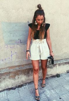 Our Chicisima of the week @anushkatuska with this perfect summer outfit!