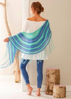 Scarf in a pattern mix – free knitting instructions - Knitting for Beginners Poncho Knitting Patterns, Free Knitting, Crochet Patterns, Drops Design, Knitting For Beginners, Pattern Mixing, Free Pattern, Couture, Creations