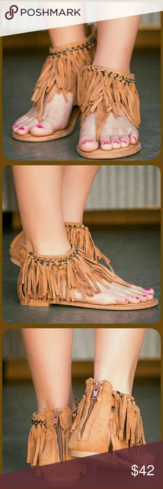 🔖1 HOUR SALE✌🌻FRINGE SANDALS🌻✌ -📦NIB📦 ✌🌻Comfy thong style sandals  ✌🌻Micro fiber upper  ✌🌻An easy zipper closure along the back  ✌🌻Ankle cuff features TWO layers of fringe😙❤✌ BOTIQUE  Shoes Sandals