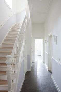 white stairs in townhouse [from late 19 century?] in the hague, holland; pics via remy meijers Interior Stairs, Interior And Exterior, Stairs To Heaven, White Stairs, Painted Stairs, House Stairs, Home Reno, White Houses, Apartment Design