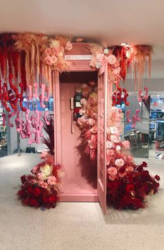 Event Planning Tips, Event Planning Business, Valentine Decorations, Wedding Decorations, Boutique Decor, Hanging Flowers, Event Styling, Event Decor, Event Design
