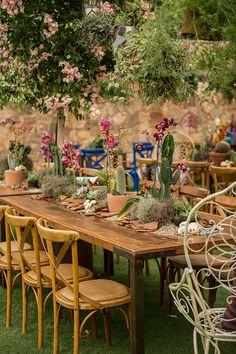 Um time expert de floristas e decoradores contou suas apostas de tendências para flores e plantas para este ano. Vem ver!