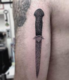 Tatuaże czarno białe