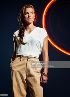 Soccer player Alex Morgan is photographed for Forbes Magazine in December 2015 in New York City. Alex Morgan Husband, Alex Morgan Goal, Cristano Ronaldo, Cristiano Ronaldo Lionel Messi, Fifa Women's World Cup, Soccer Girl Problems, Good Soccer Players, Manchester United Soccer, Jamel
