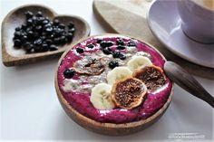 Dragon fruit smoothie by @foodissexyisntit