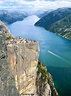 Roca Preikestolen, Norway