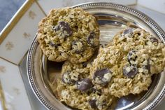 Orange, chocolate oatmeal cookies- Crisp, sweet cookies that are just a bit healthy Lace Cookies, Sweet Cookies, Chocolate Oatmeal Cookies, Chocolate Desserts, Healthy Plate, Healthy Eating, Cookie Crisp, Cookie Recipes, Cheesecake