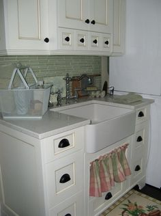 It's a cost-effective way to start a style or up your laundry room's design. tag: Best basement laundry room ideas, laundry room sink ideas, laundry room sink design, Basement laundry room unfinished, makeover, before and after, remodel, organization and more.