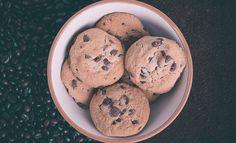 """עוגיות שוקולד צ'יפס ולוטוס משגעות על ידי FoodisGoodעוגיותמטבח כלליאפיה 20/06/2015 0.0 שדרגו את עוגיות השוקולד צ'יפס הרגילות - מתכון לעוגיות שוקולד צ'יפס עם ממרח לוטוס שהופך את העוגיות לטעימות ועם ריח משגע של תצליחו לעמוד בפניו. זמן עבודה: 20 דקות סה""""כ זמן הכנה: 30 דקות 20 דקות 10 דקות 30 דקות כ- 20 עוגיות שיתוף …"""