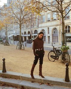 Photo shared by JULIE SARIÑANA on November 25, 2019 tagging @isabelmarant, @juliesarinana, and @kevinberruuu. Image may contain: one or more people, tree, sky and outdoor Paris Travel Tips, Sincerely Jules, Trends, Morning Light, Say Hi, Travel Style, Her Style, Style Guides, Sky