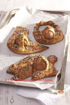 Scarcelle, Easter cookies from Puglia - click on the pic to see the recipe