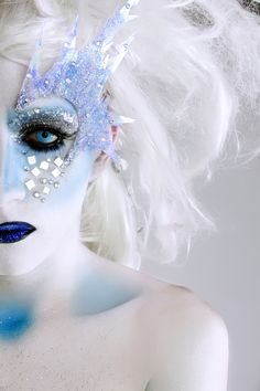 ice queen makeup idea (into the eye spikes, everything else can be better)