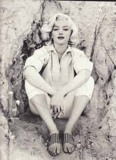 -Marilyn Monroe ❤ can't even stand it!!! <3