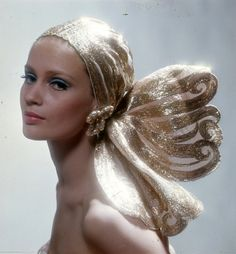 Celia Hammond wearing an evening turban of organza and gold with earrings by Countess Giovanna Nievo, photo by Ronald Traeger used for Vogue UK cover, Oct. She looks like one of the head options in a set of Fashion Plates(TM)! Jean Shrimpton, Turbans, Headscarves, Twiggy, 70s Fashion, Vintage Fashion, Fashion Models, Colleen Corby, 70s Glam