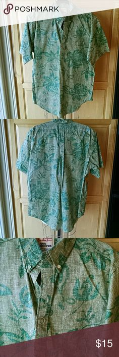 Reyn Spooner Hawaiian shirt sleeve shirt Authentic Alfred Shaheen by Reyn Spooner design with reverse print in shades of green. Print is matched at patch pocket on front, see photo. Neckline is 3 button tab, pullover style. 60% cotton, 40% polyester, tailored in Hawaii. Purchased at the San Jose museum of textiles at their Hawaiian textile exhibit. Alfred Shaheen by Reyn Spooner Shirts Casual Button Down Shirts
