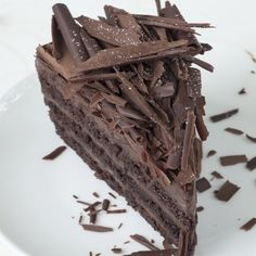 OMG this really may be my birthday cake! Dreamy Chocolate Mousse Cake Recipe from Grandmothers Kitchen. Köstliche Desserts, Chocolate Desserts, Delicious Desserts, Yummy Food, Chocolate Mousse Cake Filling, Cake Recipes, Dessert Recipes, Cheesecake Cupcakes, Love Chocolate