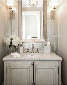 ❥pιnтereѕт | @тaylorх90. Classic bathroom with vintage touches