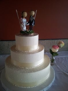 ivory ribbon and buttercream dots www.weddingsbyholiday.com