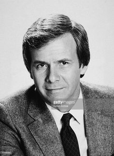 Portrait of American news broadcaster and journalist Tom Brokaw, anchor of 'The NBC Nightly News,' Tom Brokaw, Nbc Nightly News, News Anchor, Nbc News, New Media, South Dakota, Anchors, Famous People, Photographers
