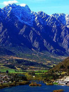 ✯ Queenstown, New Zealand. Oh, how I miss it!