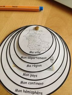 geography lapbook - # géographie You are in the right place about how to make Montessori Materials Here we offer you the most beautiful pictures about the Montessori Materials at home you Montessori Education, Montessori Activities, Kids Education, Activities For Kids, Montessori Materials, Homeschooling Resources, French Education, Elementary Science, Teaching French