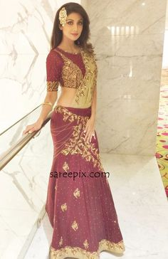 Shilpa shetty beautiful side view in lehenga at an event in Surat, November 2015. The ageless beauty shown her well shaped figure in lehenga with matching
