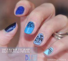 ZeChaudronMagik blue nail geometric