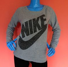 Womens Nike Rally Boyfriend Sweatshirt M 8 10 12 Mezzo Logo Gray Crewneck Soft #Nike #Medium