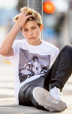 Little Boy Fashion, Kids Fashion Boy, Young Fashion, Young Cute Boys, Cute Teenage Boys, Boy Models, Child Models, Crush Pics, Kids Gymnastics