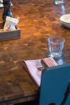 Overview of all references from mafi natural wood floors. See for yourself the benefits of using mafi natural wood floors in private as well as business areas! Natural Wood Flooring, Solid Wood Flooring, Hardwood Floors, Heat Treating, The Old Days, Hotel Lobby, Grand Hotel, Wood Species, The Expanse