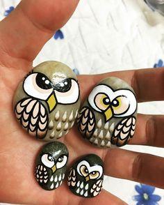 #돌맹이그림 #돌맹이 #부엉이 #부엉이그림 #acrylics #stones #stoneart #paintedstones #owl #owls #stonepainting #owlfamily