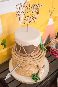 Wild Wild West theme cake- perfect for your little boy's next birthday party.  Love the fondant rope design!
