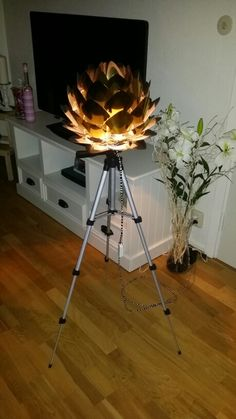Lamp uppgrade, old camera stand. Everything in this project is old stuff we didn't use at home.