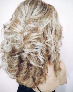 Bride hair blond curly