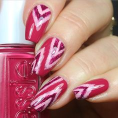 Jayme lends a seriously fun boho vibe to her nails in this Ikat print designed using her gifted #essielove spring 2017 nail polish collection in B'aha Moment! Go with your most colorful instincts and take a spur-of-the-moment trip down the coast with this must-have! Products were gifted to the artist free of charge as part of the Preen.Me VIP program together with essie.