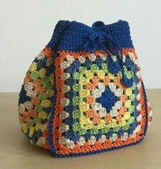 Transcendent Crochet a Solid Granny Square Ideas. Inconceivable Crochet a Solid Granny Square Ideas. Free Crochet Bag, Crochet Purse Patterns, Crochet Shell Stitch, Crochet Tote, Crochet Handbags, Crochet Purses, Love Crochet, Crochet Crafts, Easy Crochet